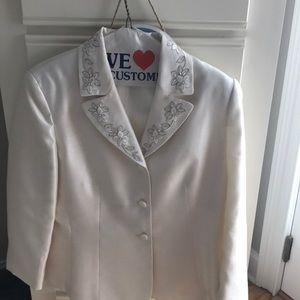 Women's 2 piece suit size 12
